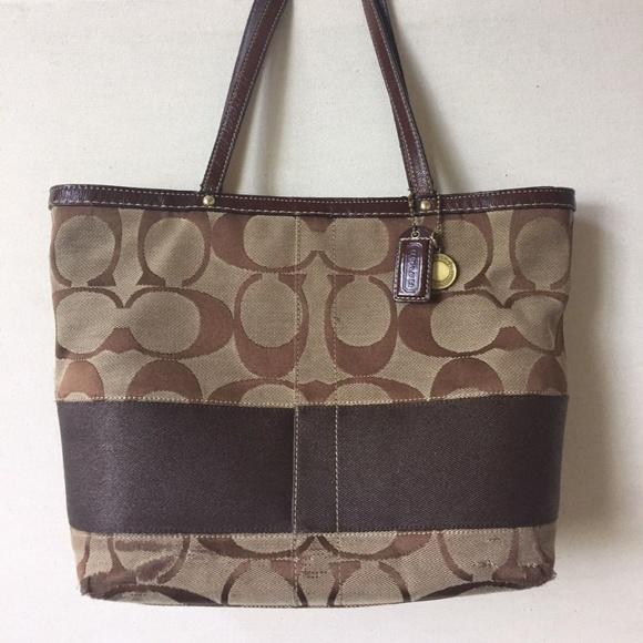 26da1b88 COACH Signature Purse Brown Shoulder Bag 10124